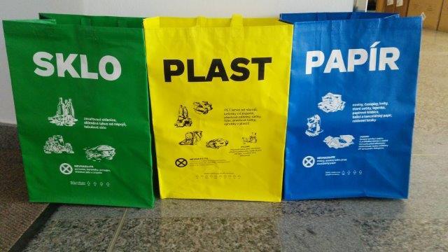 Tašky na tříděný odpad – papír, plast a sklo